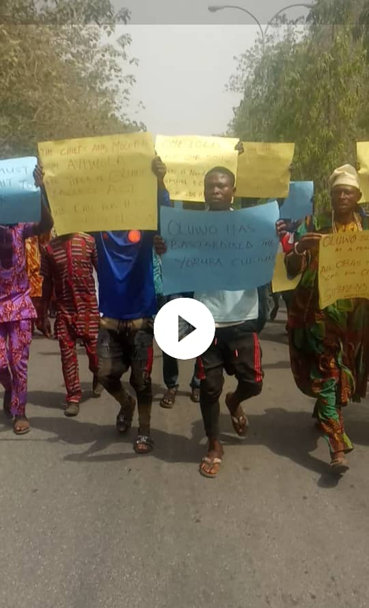 Ayedire, Ola-oluwa residents protest against Oluwo