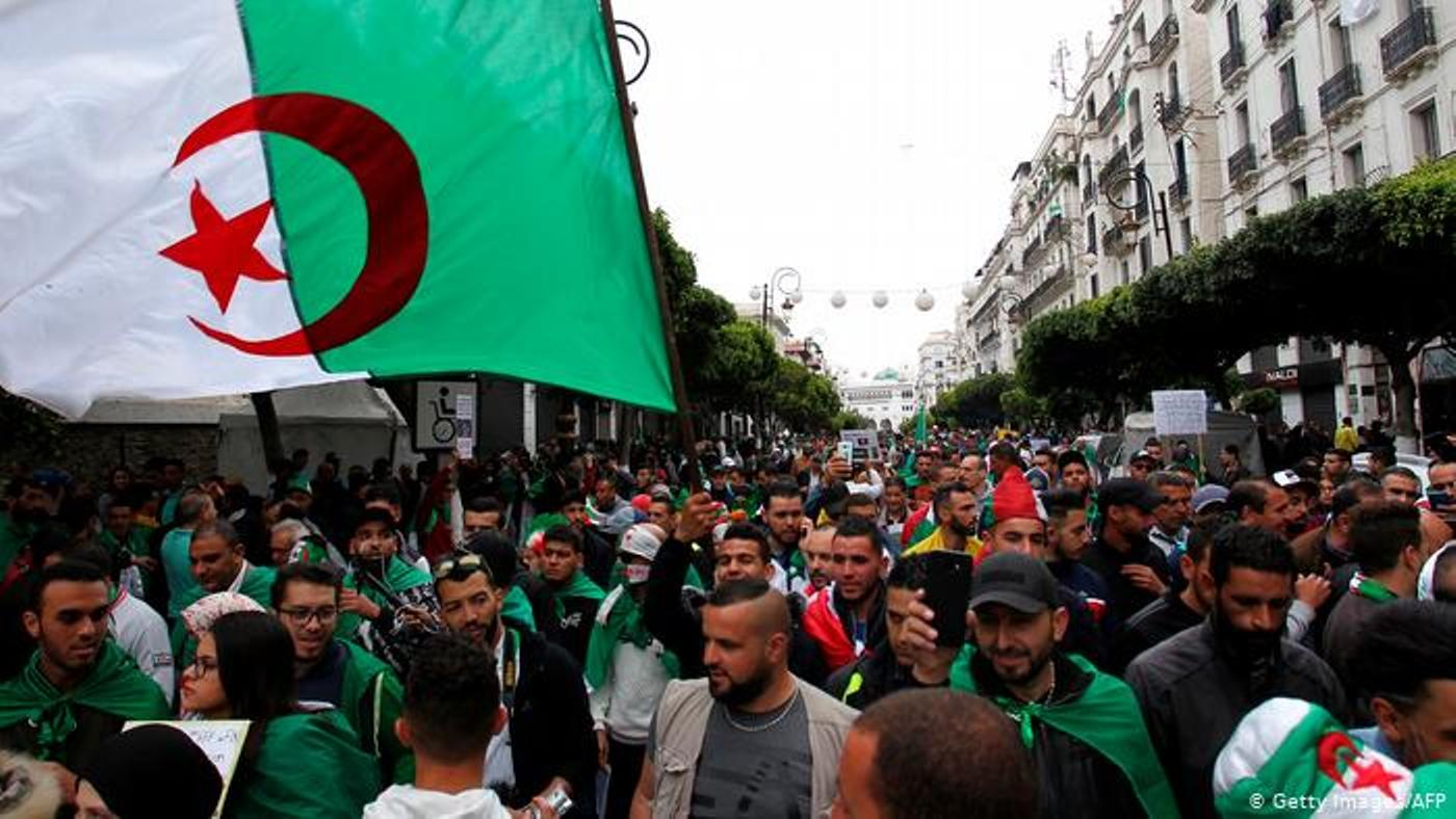 Algerians keep up protests a year after demonstrations began