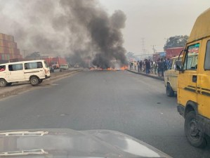 VIDEOS: Bonfire as Okada, tricycle riders, police clash in Lagos over ban