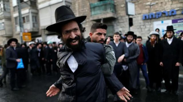 The 'double life' of ultra-Orthodox Jews in Israel