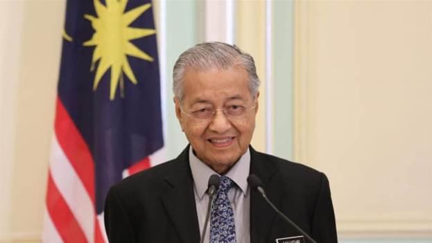 Malaysian king hits back at resigned-PM, Mahathir amid crisis