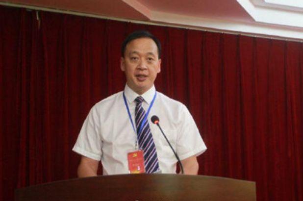 World Health Organization urges calm as China virus death toll reaches 2000