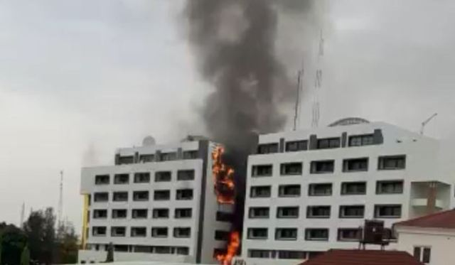 Video: Treasury House in Abuja on fire