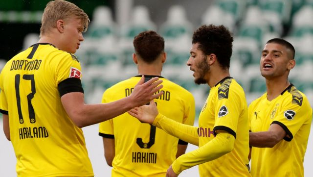 Dortmund defeat Wolfsburg to close in on Bayern ahead of title showdown
