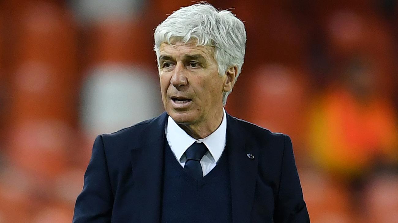 Valencia hit out over Atalanta coach admission