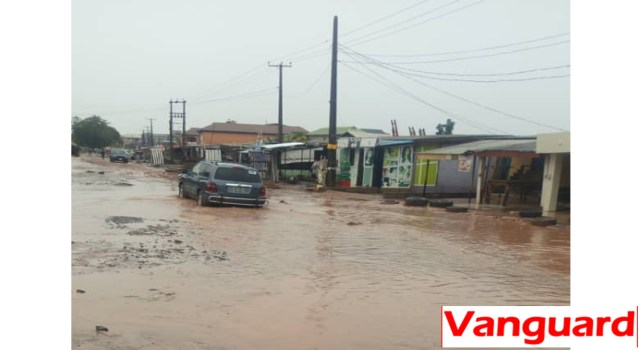 PHOTOS: Aftermath Monday downpour, parts of Ikorodu flooded