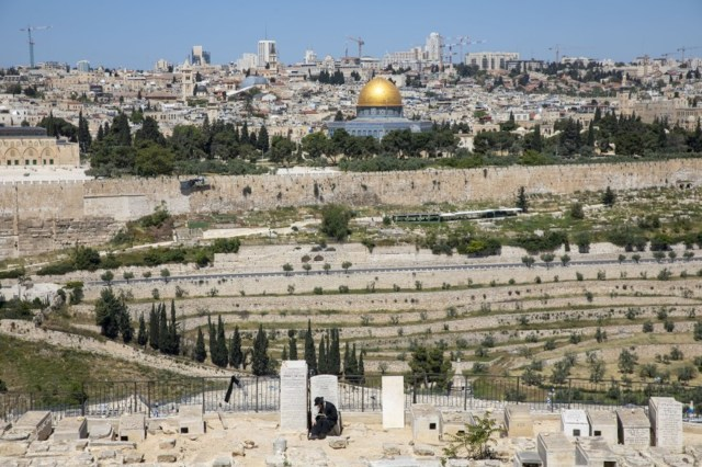 Even in pandemic, Jews flown to Jerusalem for burial