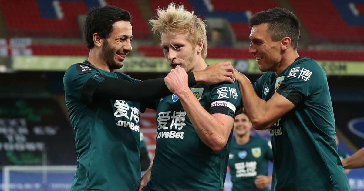 Mee's header gives Burnley 1-0 victory at Crystal Palace