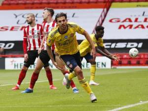 FA Cup: Sheff Utd 1-2 Arsenal: Gunners scrape through