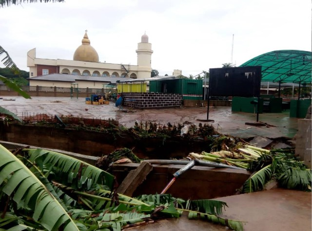 PHOTOS: Flood destroys part of Obasanjo Library fence