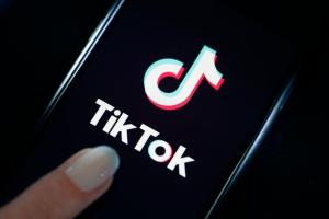 Pakistan bans Tik-Tok over 'immoral and indecent' content