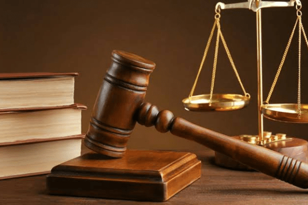 Court remands 2 men for alleged shop breaking, theft
