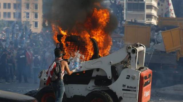 Lebanon information minister quits in first govt resignation over Beirut blast