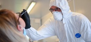 France records more than 10,500 new coronavirus cases in 24 hours