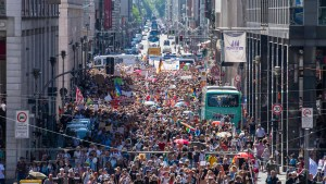 Berlin police break up rally as 20,000 protest virus restrictions