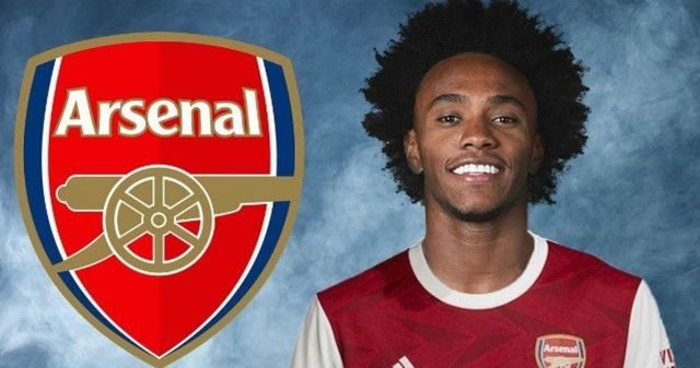 Arsenal sign Willian from Chelsea on free transfer