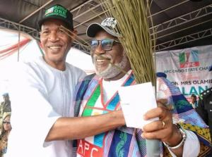 RECONCILIATION: Akeredolu meets with Oke, aggrieved Unity Group leaders