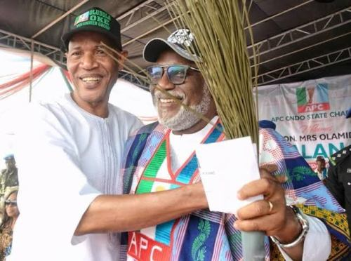 [ONDO 2020]: RECONCILIATION: Akeredolu meets with Oke, aggrieved Unity Group leaders