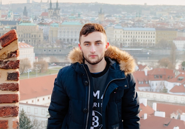 Mitchell Zvagelskiy: Helping other e-Commerce founders grow thumbnail