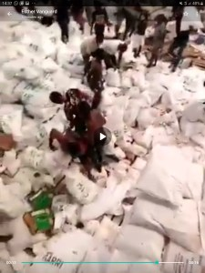 VIDEOs: Mob raids warehouse in Okota reportedly housing COVID-19 palliatives