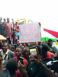 PHOTOS: Protesters against police brutality continue to occupy Lekki tollgate