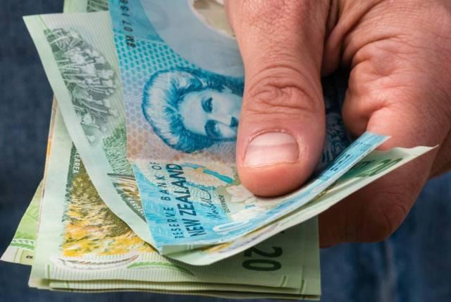 New Zealand increases minimum wage