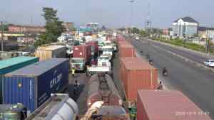 "Apapa gridlock: Sanwo-Olu's traffic team helpless as miscreants, ""okada"" riders take over road"