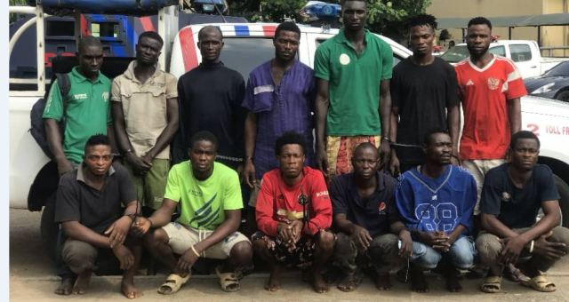 suspected traffic robbers