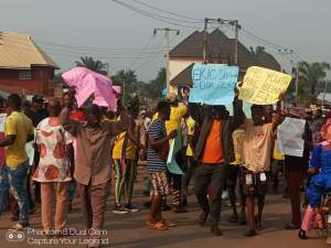 PHOTOS: Protests in Imo against Okorocha