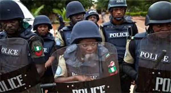 Police apprehend 4 suspected kidnappers, recover cash, guns in Adamawa