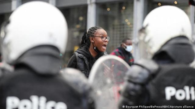 Nine cops hospitalized in Belgium riots after black woman's arrest