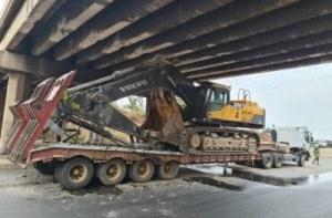 Trailer damages 3 flyover bridges on Lagos-Ibadan expressway