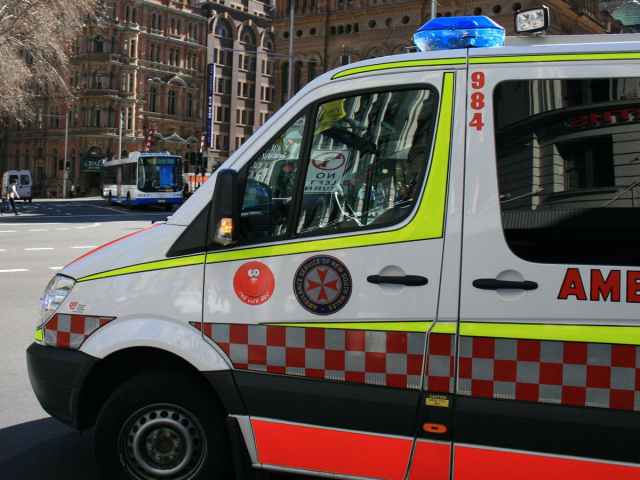 Calling ambulance when experiencing chest pain may deliver better outcomes – Research