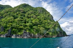 THE PHILIPPINES – A BACKPACKER'S GUIDE - On a kayak tour