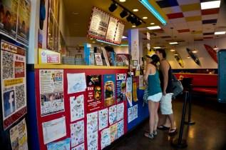 Teddy's Bigger Burgers - Hawaii - Counter
