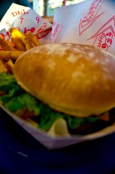 Teddy's Bigger Burgers - Hawaii - Burger and fries