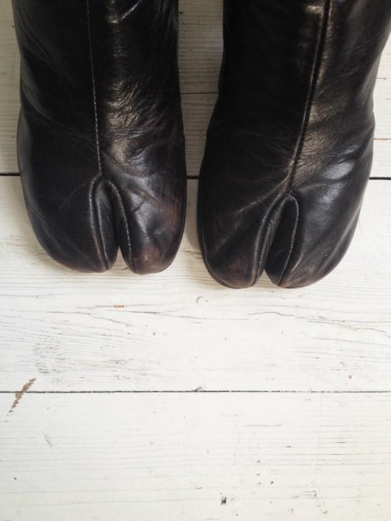 vintage Maison Martin Margiela brown tabi boots — fall 1995