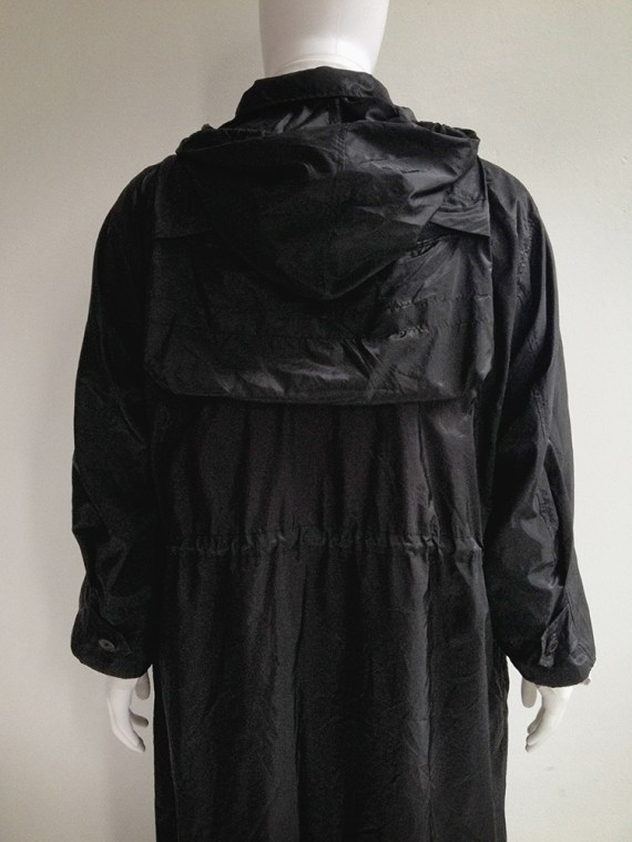 Issey Miyake windvoat black foldable parka 1999 top2