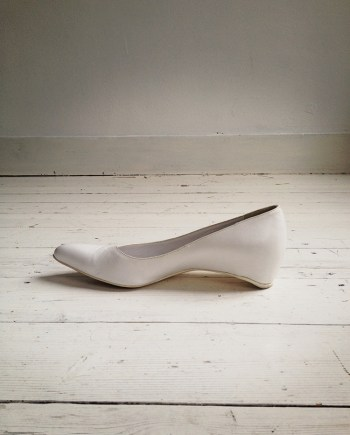 Maison Martin Margiela white heel-less pumps (38) — spring 2000