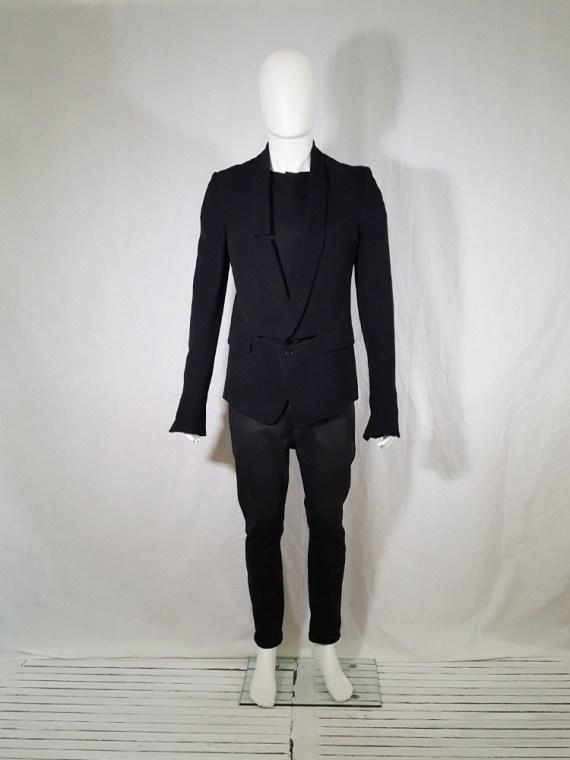 Ann Demeulemeester black blazer with cut panel runway fall 2011 _142510