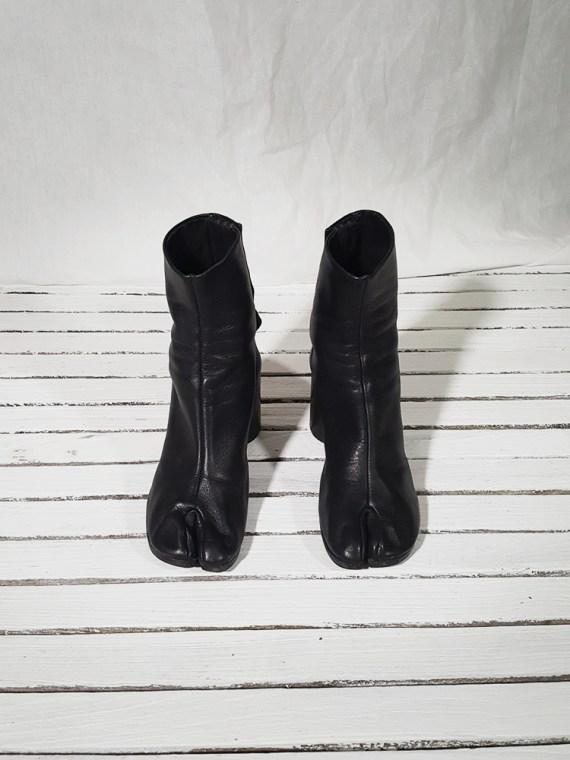 vintage Maison Martin Margiela black leather tabi boots with block heel (38)