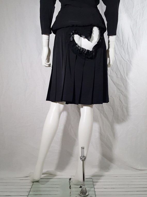vintage Comme des Garcons black pleated skirt with ruffled hearts cut outs runway fall 2008_155949