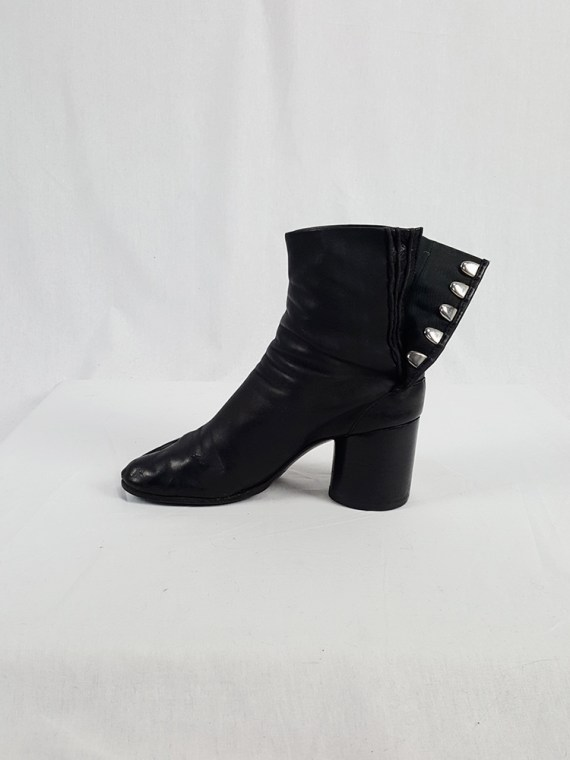 Maison Martin Margiela black leather tabi boots with block heel (38)