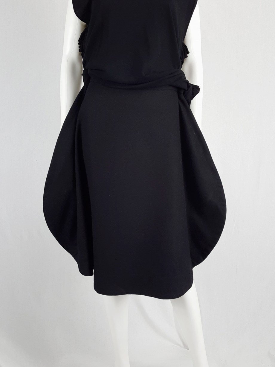 vintage Comme des Garcons black 2D circle skirt fall 2012 130610