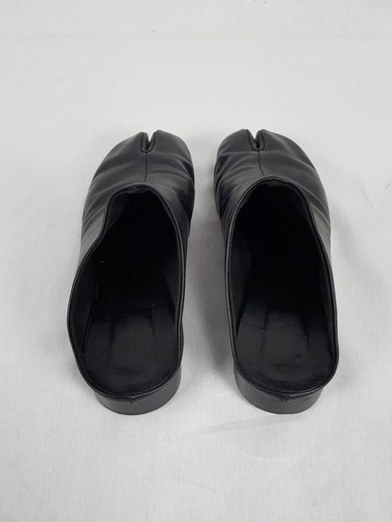 Maison Martin Margiela black tabi slipper with low heel — spring 2002
