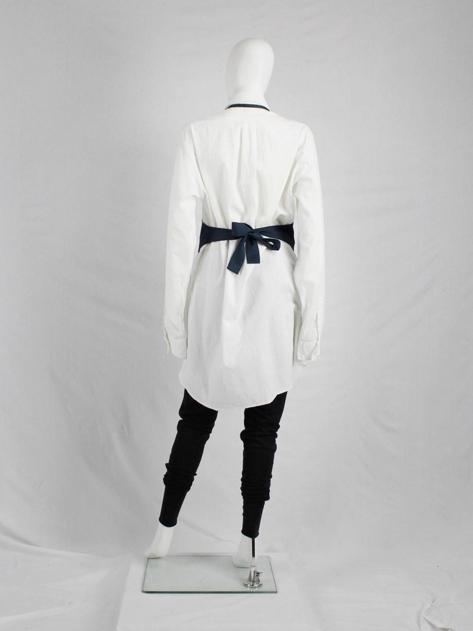 Lieve van gorp dark blue cropped apron with bowtie back — 1990's