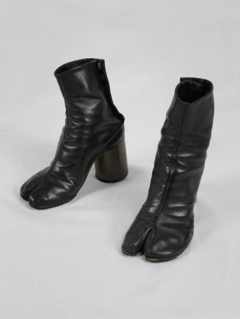 Maison Martin Margiela black tabi boots with round wooden heel (35) — 2001