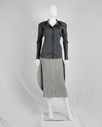 Issey Miyake Pleats Please grey button-up cardigan with squared shoulders and lapels
