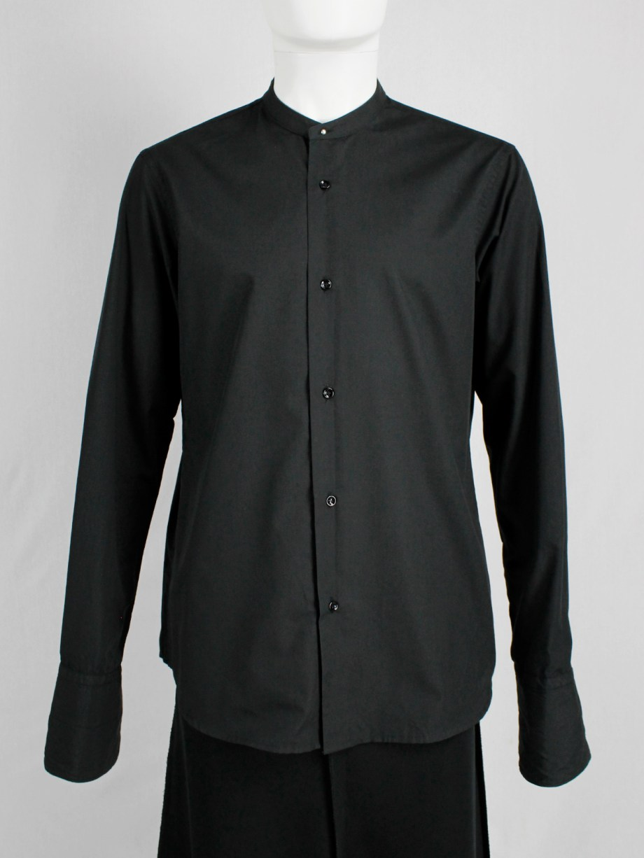 vintahe Maison Martin Margiela black shirt with detacheable collar — fall 2002