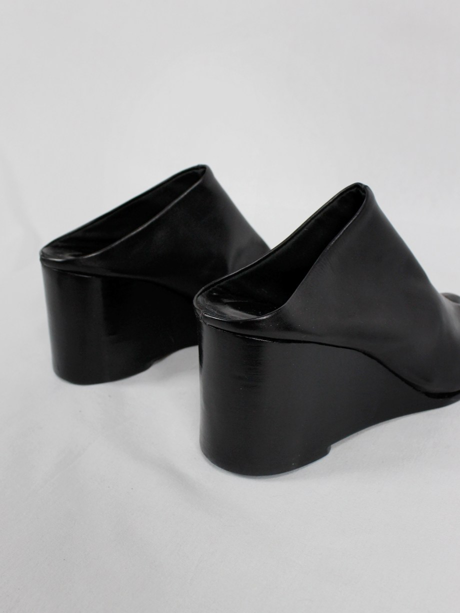 Maison Martin Margiela black tabi slippers with wedge heel spring 2002 (7)